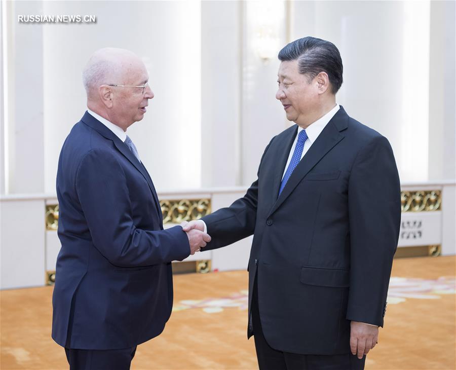 В объективе - Китай | Си Цзиньпин встретился с исполнительным председателем ВЭФ К.Швабом