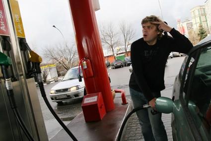 Кто разогнал цены на топливо?