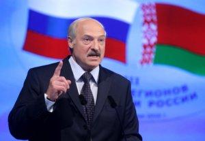 Из двух зол Александр Лукашенко выбрал... третье