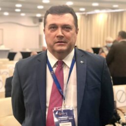 Председатель Союза журналистов России Владимир СОЛОВЬЕВ: «Нам удалось пережить самые опасные месяцы кризиса»
